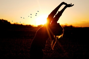 beautiful-birds-girl-silhouette-sunset-wow-Favim.com-49238