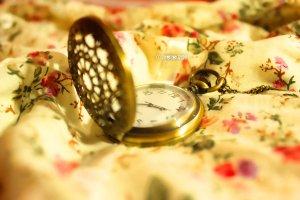 vintage_clock_by_chumgirl18-d4etoza