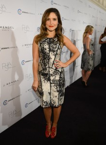 Sophia+Bush+3rd+Annual+Autumn+Party+Featuring+1BH0LRyqpYcl[1]