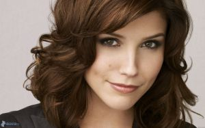 [pictures.4ever.eu] brooke davis, curly hair 159802