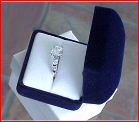ring blue velvet