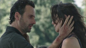 the-walking-dead-2x11-rick-lori-cap-18