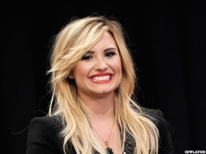 Demi_Lovato_Visits_Late_Night_With_Jimmy_Fallon-600x450[1]