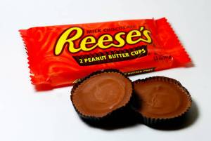 Free-Reeses-Peanut-Butter-Cup-Saving-Star[1]