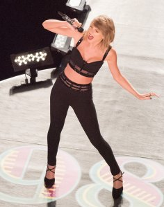 taylor-swift-pants-2-1414175894[1]