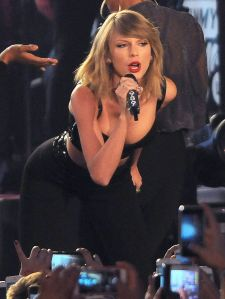 taylor-swift-performs-at-jimmy-kimmel-live-in-hollywood_1[1]