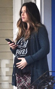 rs_634x1024-150223200849-634.Jessica-Biel-Prgnant-Filming-New-Orleans.3.ms.022315[1]