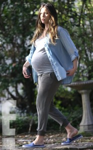 rs_634x1024-150223200850-634.Jessica-Biel-Prgnant-Filming-New-Orleans.5.ms.022315[1]