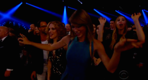 taylor-swift-dancing-grammys-2015[1]
