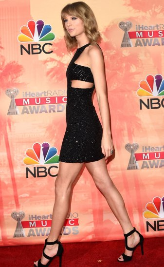 iheartradio-music-awards-2015-taylor-swift-getty[1]