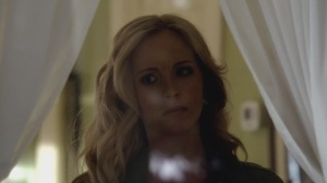 The-Vampire-Diaries-3x14-Dangerous-Liaisons-HD-Screencaps-caroline-forbes-28981119-1280-720[1]