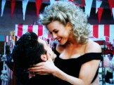 grease-live-2016-your-the-one-that-i-want-danny-sandy-aaron-tveit-julianne-hough-fox-300x225[1]