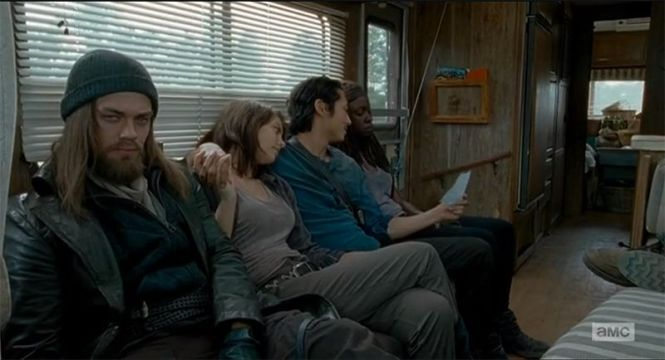won-t-you-all-be-shocked-when-the-walking-dead-kills-maggie-not-glenn-881535[1]