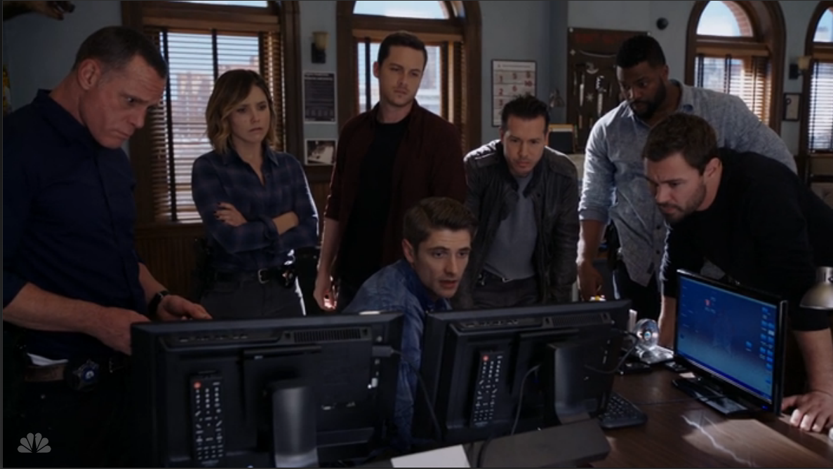 Chicago pd tv show cast pictures to pin on pinterest for Bureau tv show