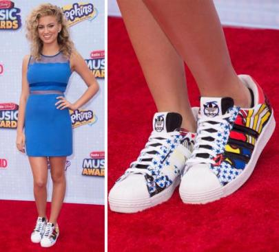 042515-2-tori-kelly-shoes-radio-disney-awards[1]