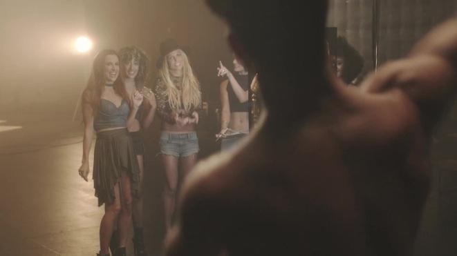 Britney_Spears_-_Make_Me_1080_272[1]