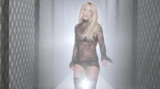 normal_Britney_Spears_-_Make_Me_1080_538[1]