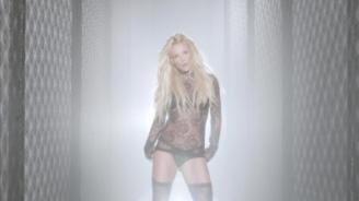normal_Britney_Spears_-_Make_Me_1080_567[1]