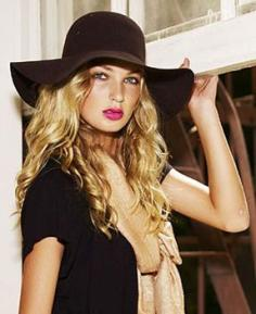 polls_floppy_hat_forever_21_1480_0657_975935_answer_4_xlarge[1]