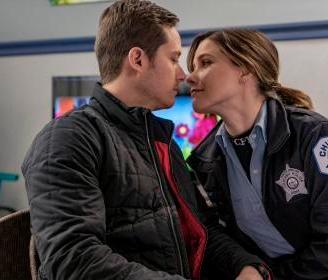 halstead-and-lindsay-chicago-pd1