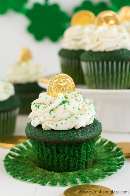 Green-Velvet-St-Patricks-Day-Cupcakes-7[1]